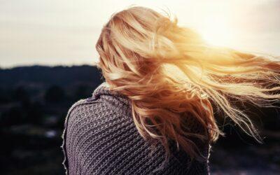 Beskyt dit hår i sommersolen